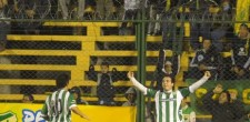 Banfield-festejo-Defensa-Justicia_OLEIMA20130614_0125_5