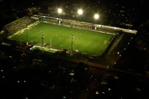 Estadio Tomaghello de noche_aerea