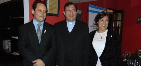 El Obispo de Quilmes bedijo la sede regional de CGERA en el Cruce Varela. Participaron funcionarios de los tres municipios, las cámaras empresarias y la CNCT