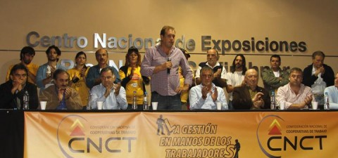 """Christian Miño confesó su amor por Defensa, festejó el ascenso y aclaró que """"Fecootraun tiene sus colores por el 'Halcón' de Varela"""""""