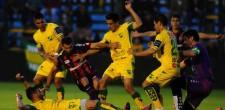 Defensa perdió ante San Lorenzo 3 a 1. Jugó bien, pero cometió errores que le costaron caro. El domingo visita a Tigre.