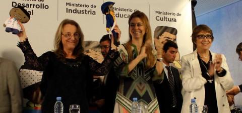 """La Red Textil de la CNCT lanzó junto a cuatro Ministerios Nacionales el proyecto """"Jugar: Juguetes Educativos Nacionales"""""""