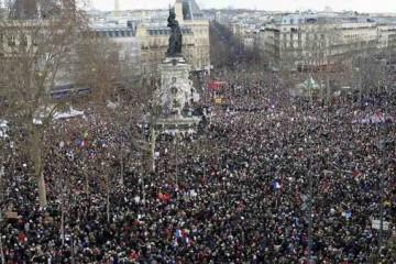 Plaza-Republica-Paris-manifestantes_AFP