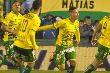 defensa2-racing1_gol martinez