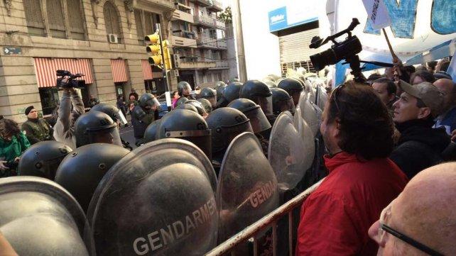 Macri-bandera-represion