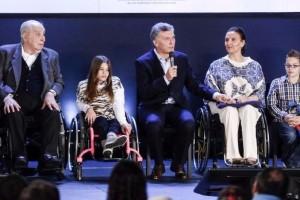 macri y discapacitados